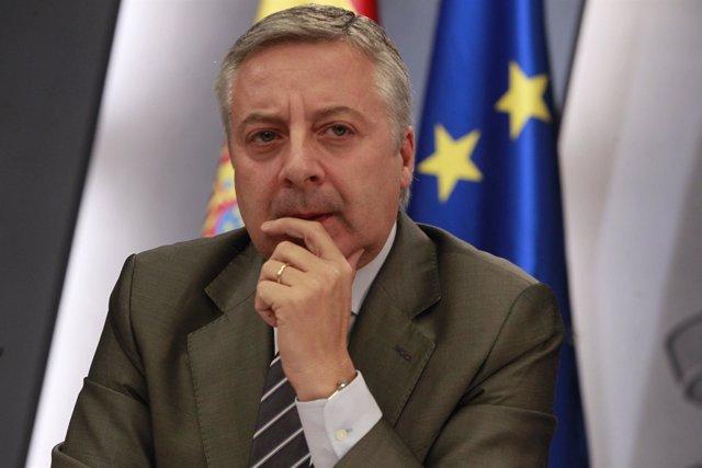 José Blanco En Rueda De Prensa Tras El Consejo De Ministros