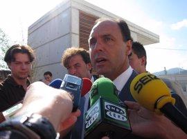 """Diego afirma que no pretende """"convertir a Cantabria en un Kuwait de la energía eólica"""""""