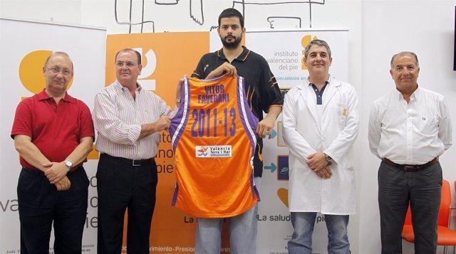 Presentación Del Pívot Del Valencia Basket Vitor Faverani