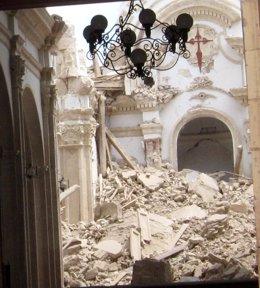 Interior De La Iglesia De Santiago De Lorca Afectada Por El Seísmo