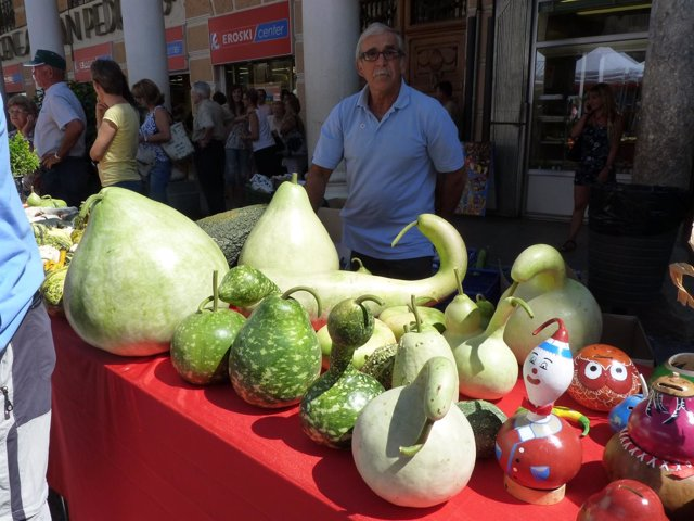Una De Las Muestras De Frutas Y Hortalizas