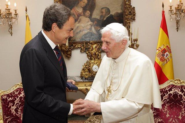 Zapatero Y Benedicto XVI Se Saludan En Su Encuentro En La Nunciatura