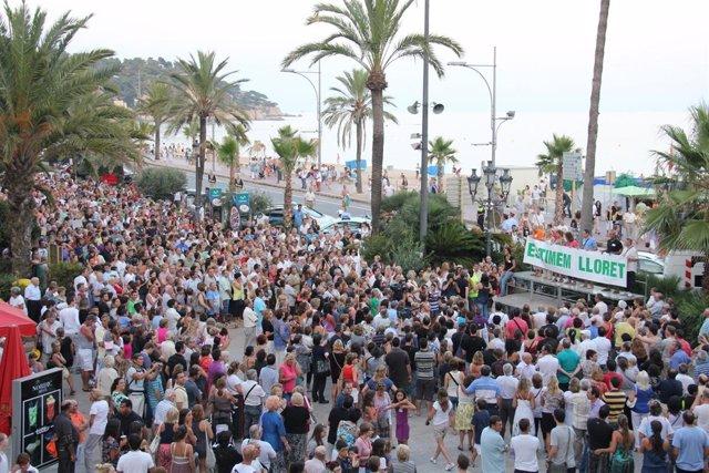 Manifestación Contra Los Altercados En Lloret De Mar