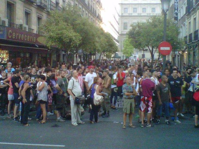 Unos 200 'Indignados' Se Reúnen En Atocha Para Acabar En Sol