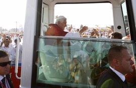 """El Papa saluda los jóvenes: """"Espero que hayáis podido dormir un poco"""""""