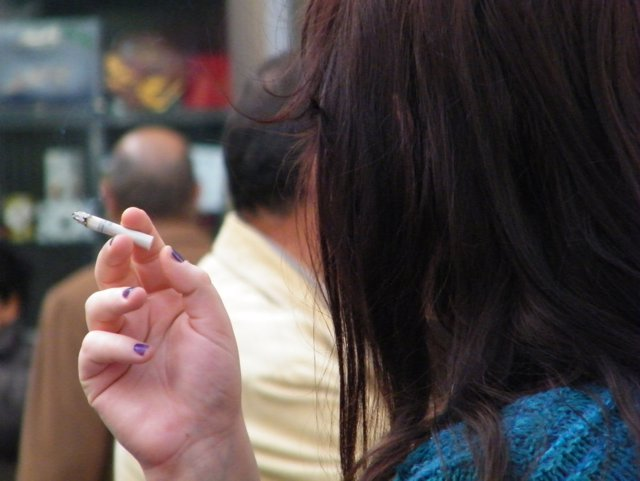 Tabaco, fumando