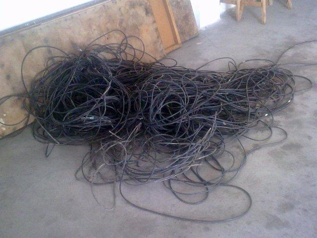 Cable De Cobre Recuperado En La Pobla Llarga