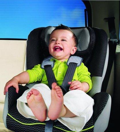 Los sistemas de retención infantil previenen hasta un 80% de las lesiones en caso de accidente, según Asepri