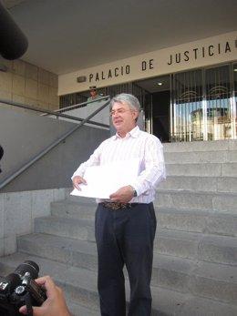 El Delegado De La Asociación Derecho A Vivir En Huelva, Eduardo Gómez.