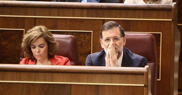Soraya Sáenz De Santamaría Y Mariano Rajoy En El Pleno Del Congreso