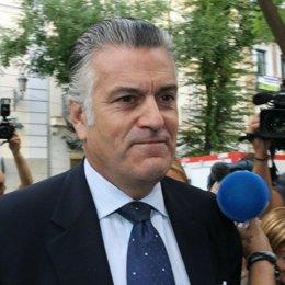 El tesorero del PP y senador Luis Bárcenas llega al TS