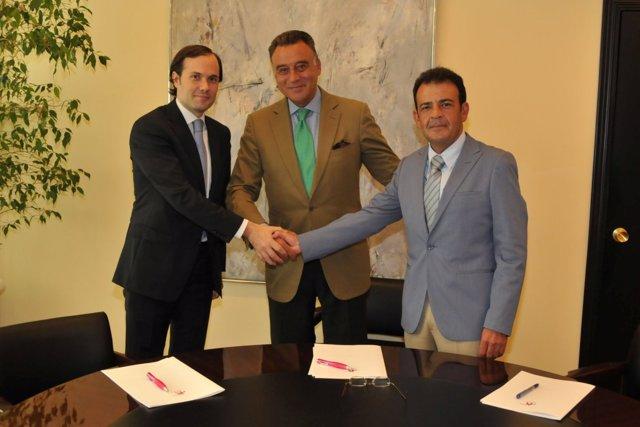 Firma Del Acuerdo Del Salón Del Motor 2011