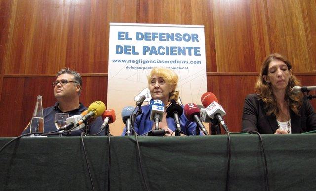 En El Centro De La Imagen Carmen Flores, Presidenta Del Defensor Del Paciente