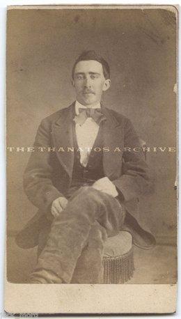 """Una Foto De 1870 """"Prueba"""" Que Nicolas Cage Es Un Vampiro Inmortal"""