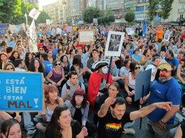 Reforma.- Las minorías que promueven un referéndum en el Congreso sólo logran 18 firmas tras sumar al PNV y a Gutiérrez