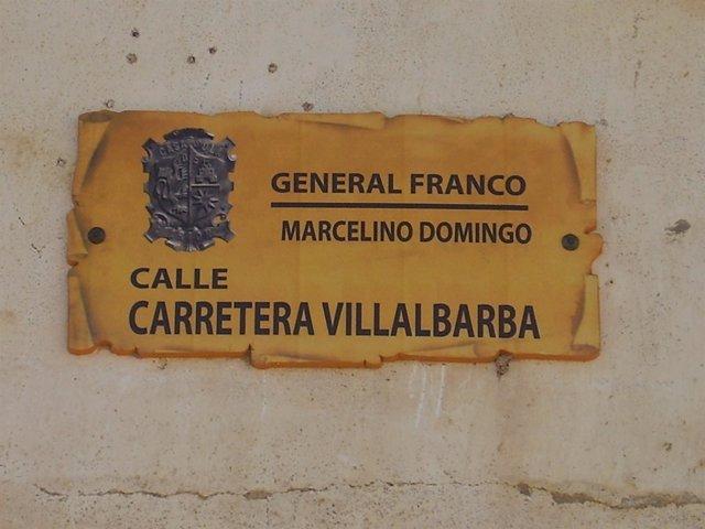 Placa 'Trinominal' De La Carretera Villalbarba De Casasola De Arión (Valladolid)