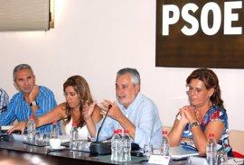 """PSOE-A da luz verde a la lista al Congreso tras el """"compromiso"""" de Cabaña de renunciar a la Alcaldía"""