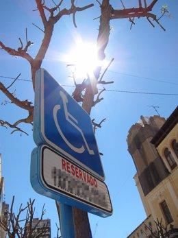 Plaza de aparcamiento para personas con discapacidad