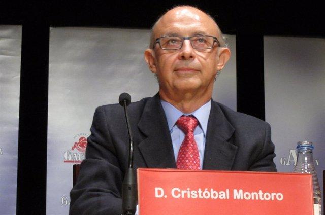 Cristóbal Montoro En El Teatro Liceo De Salamanca