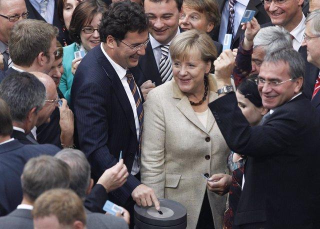 Merkel Se Prepara Para Votar En El Bundestang