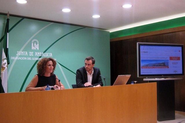 Pilar Serrano Y Pedro Moneo En Una Rueda De Prensa En Málaga