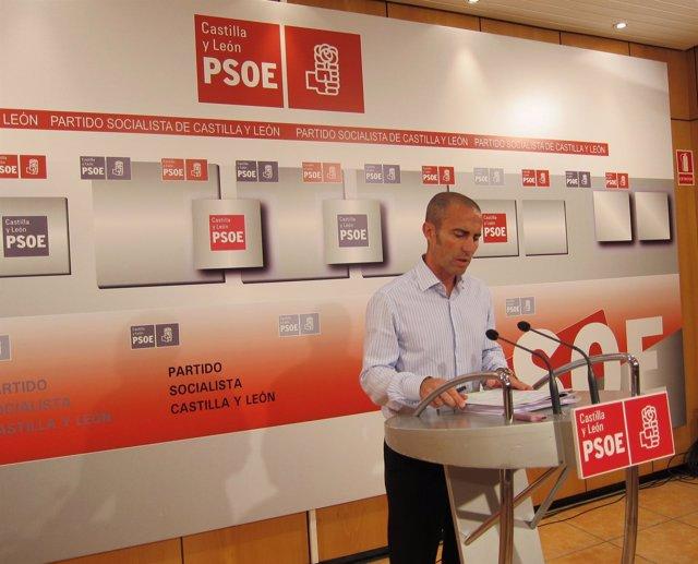 El Vicecoordinador Del Comité Electoral De PSOE, Julio López, En Rueda De Prensa