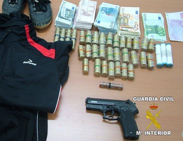 NP Guardia Civil (La Guardia Civil Detiene Al Atracador De Una Entidad Bancaria