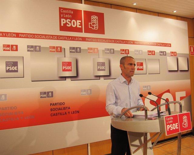 El Vicecoordinador Del Comité Electoral Del PSOE En Una Rueda De Prensa