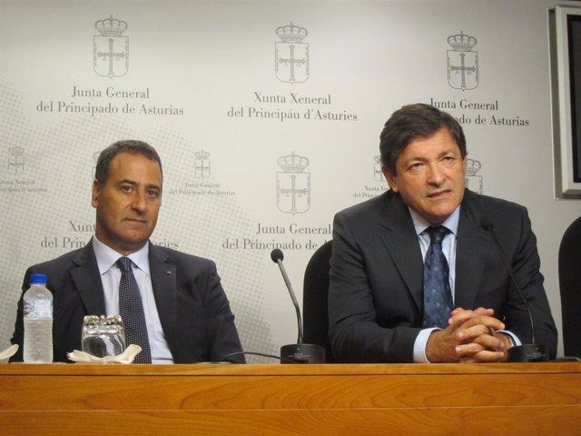 Fernando Lastra Y Javier Fernández En Rueda De Prensa.