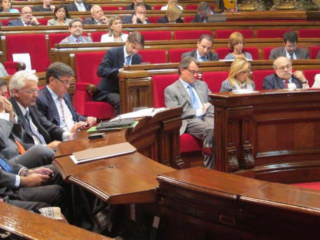 El Govern En El Pleno Del Parlament