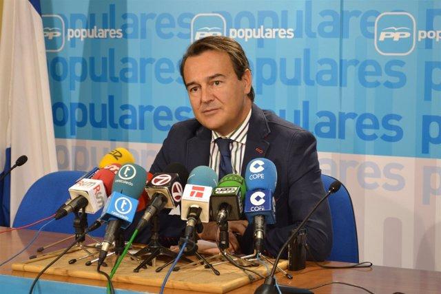 El Senador Agustín Conde