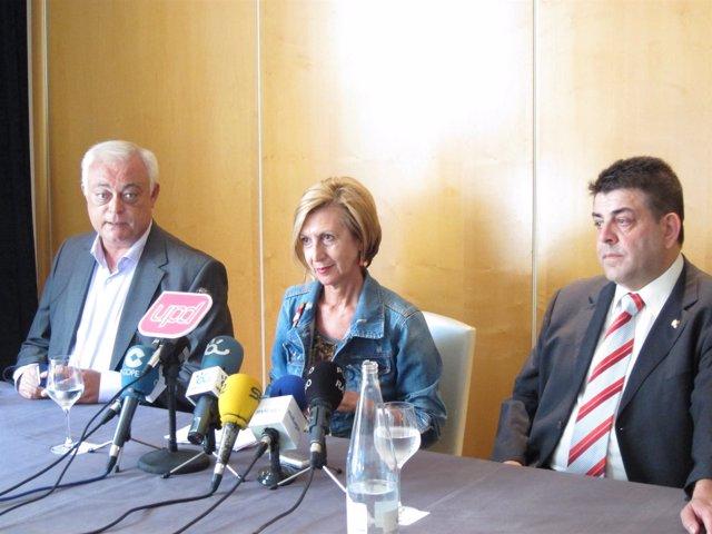 Rosa Díez Con Los Candidatos De Málaga A Congreso Y Parlamento Upyd
