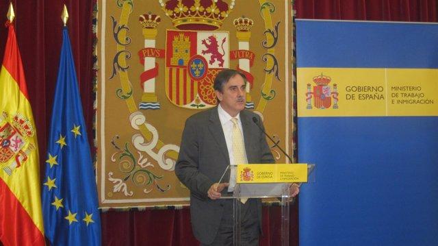 El Ministro De Trabajo, Valeriano Gómez
