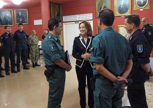 Gamarra Y Los Responsables De La Gendarmería Europea, En La Recepción
