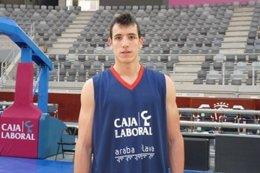 Unai Calbarro, El Jugador Nº 12 Del Baskonia