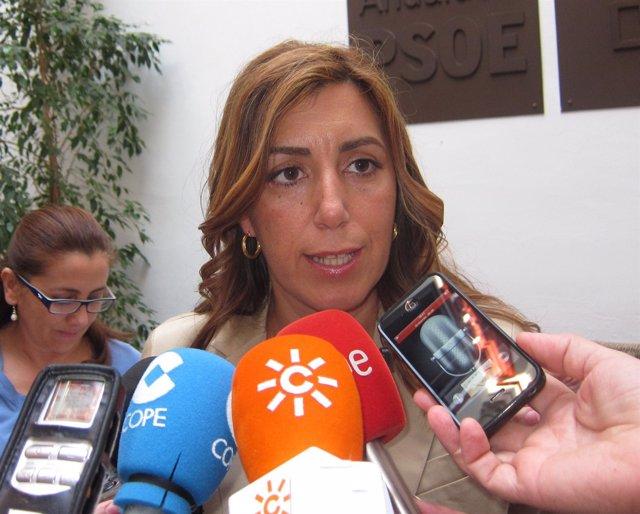 La Secretaria De Organización Del PSOE-A, Susana Díaz, Atiende A Los Medios