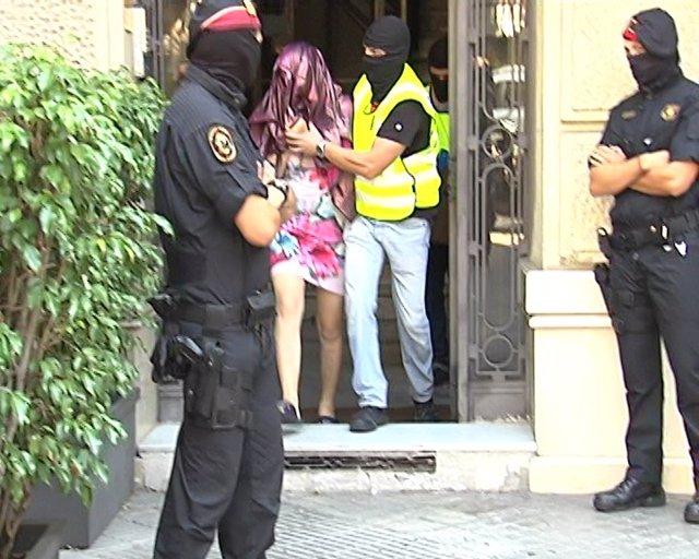 Operativo Policial En Barcelona