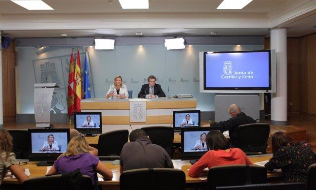 La Consejera De Hacienda, Pilar Del Olmo, Y El Consejero De La Presidencia