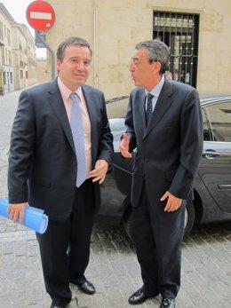Ramon Alonso (Derecha) Junto Al Delegado De La Junta En Salamanca
