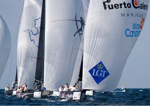 El 'Islas Canarias Puerto Calero' En La Adris RC44' Cup