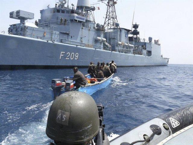 Piratas somalíes son capturados en aguas de Somalia