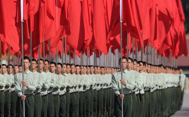 Chinos Celebrando El 62 Aniversario De China