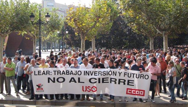 La Sociedad Riojana Se Moviliza Contra El Cierre De LEAR