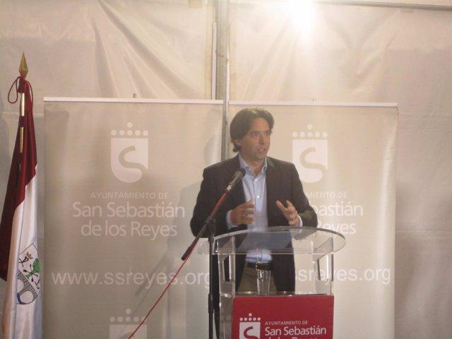 Percival Manglano En El V Encuentro Multisectorial Del Comercio Urbano