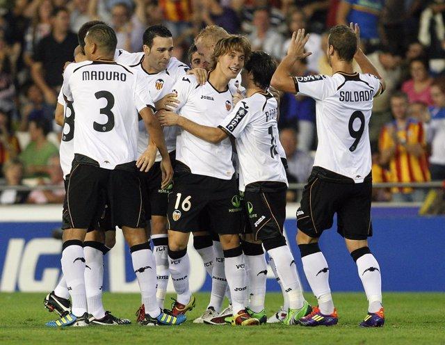 El Valencia Celebra El Gol De Canales