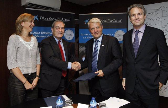 Director General Fundació La Caixa, Jaime Lanaspa, Firma Acuerdo Vacunación