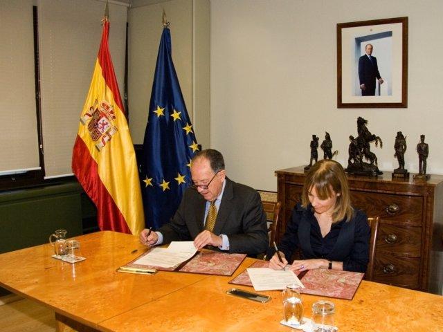 Félix Sanz ( CNI) Y María Garaña (Microsoft)