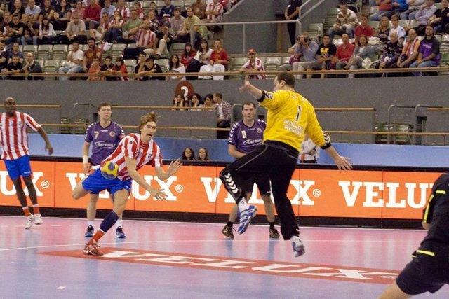 El Jugador Sueco Kallman Del BM Atlético Madrid