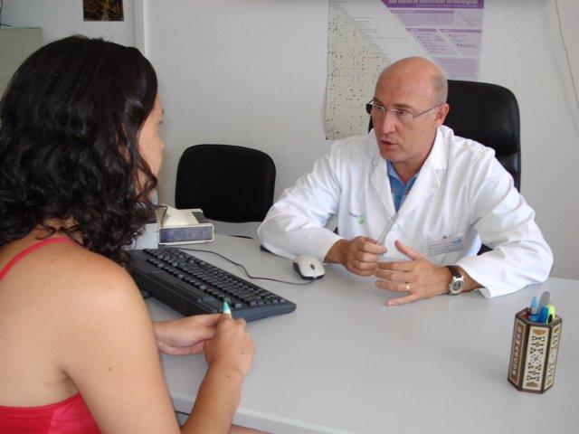Médico En Consulta