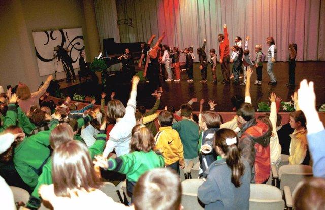Escolares Participan En Las Sesión De Música Del Palau